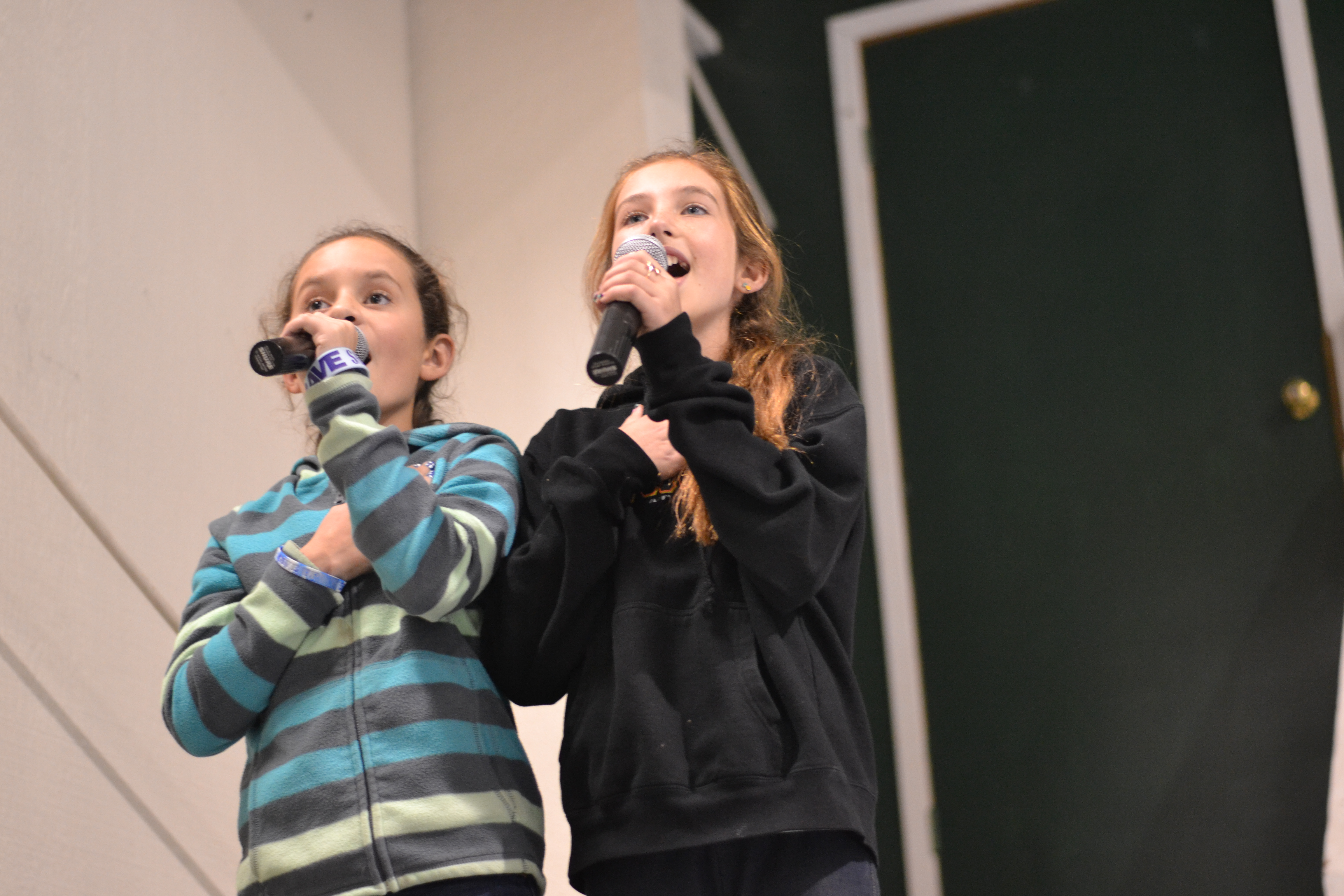 6th Graders Sing the National Anthem 11-14-14
